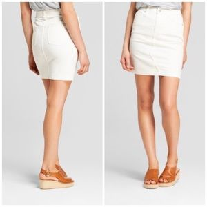 Universal Thread white denim high waistskirt 6 NWT